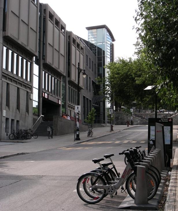 Architecture Brutalisme Montréal McGill Students