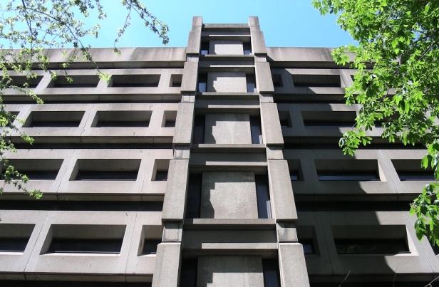 Architecture Brutalisme Montréal Université McGill