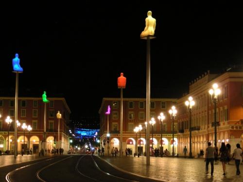 Place Masséna de nuit
