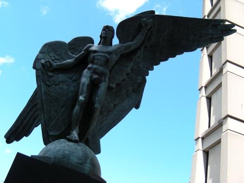 The Falcon par Robert Tait McKenzie