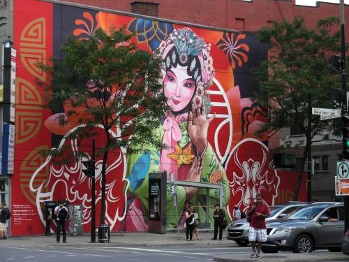 Cette nouvelle murale de Gene Pendon et Bryan Beyung, qui fait partie de mon Top 25 des plus belles murales de Montréal https://cbernier.wordpress.com/2015/09/23/murales-le-top-25-de-2015/