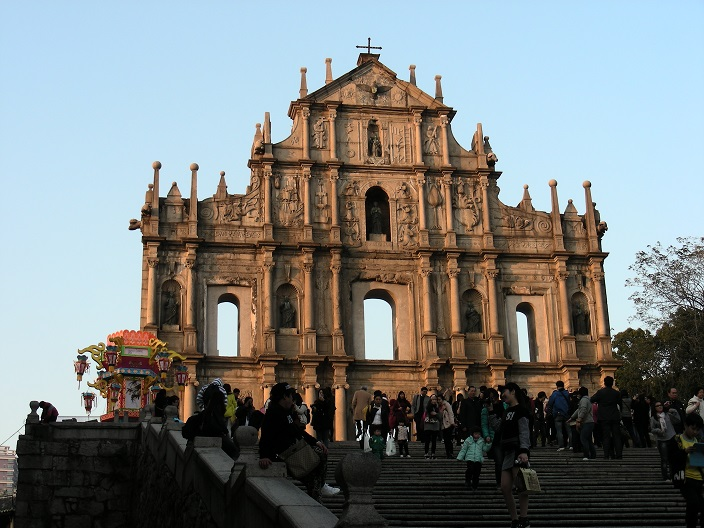 9 Église de la Mère-de-Dieu – ruine