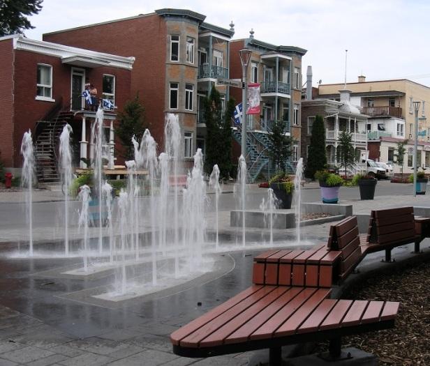 Montréal Place du Village de la Pointe aux Trembles