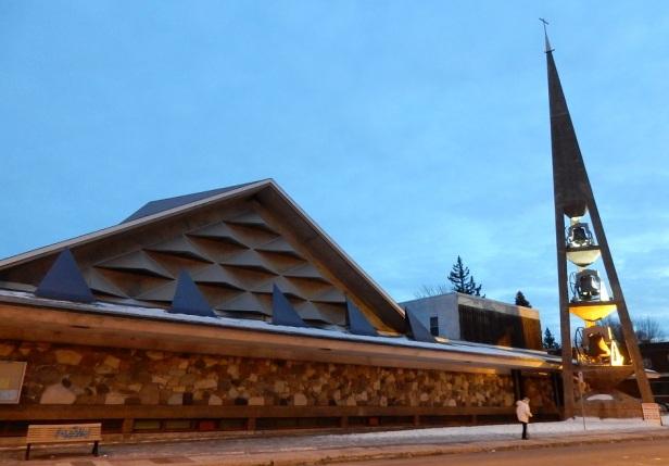 Église Saint-Jean-Vianney Montréal Roger D'Astous (1)