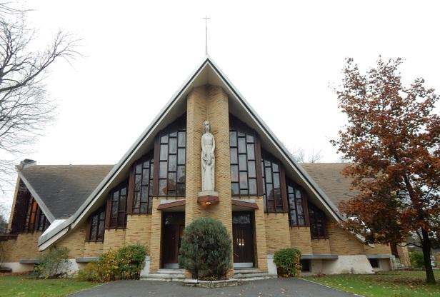 L'Église de Notre-Dame-du-Bel-Amour Montréal Roger D'Astous (1)