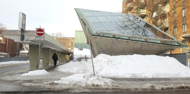 Station Beaudry Métro de Montréal Roger D'Astous (1)
