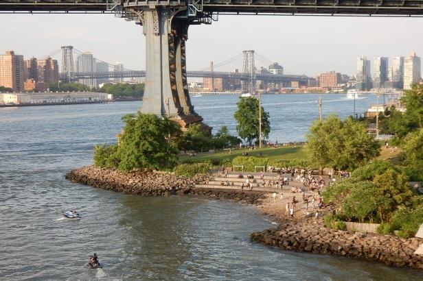 02 b Bords de l'eau à New York plage
