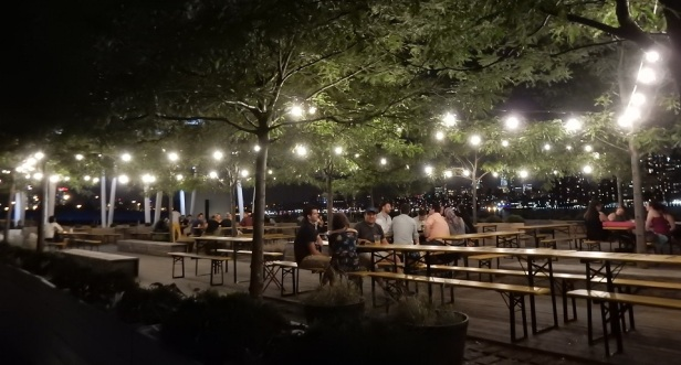 03 c Bords de l'eau à New York nuit